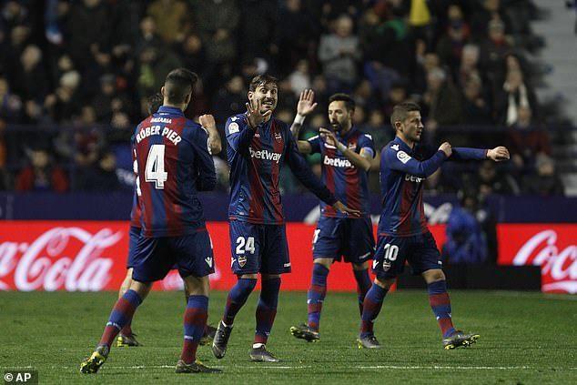 Bale lóe sáng, Real Madrid thắng chật vật Levante
