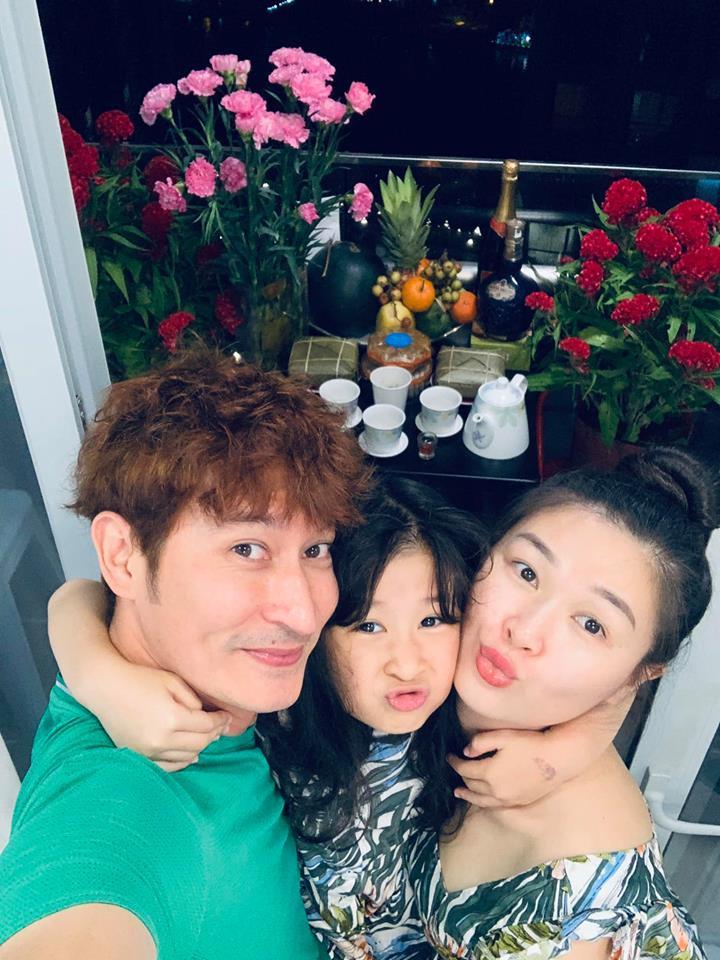Huy Khánh phải xin phép vợ đóng cảnh nóng với bạn diễn