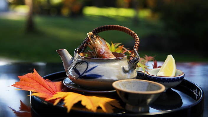 Tinh trùng cá, thịt ngựa sống và 9 món chỉ người Nhật mới nghĩ ra