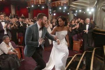 Quá ga lăng, 'đội trưởng Mỹ' gây bão lễ trao giải Oscar 2019