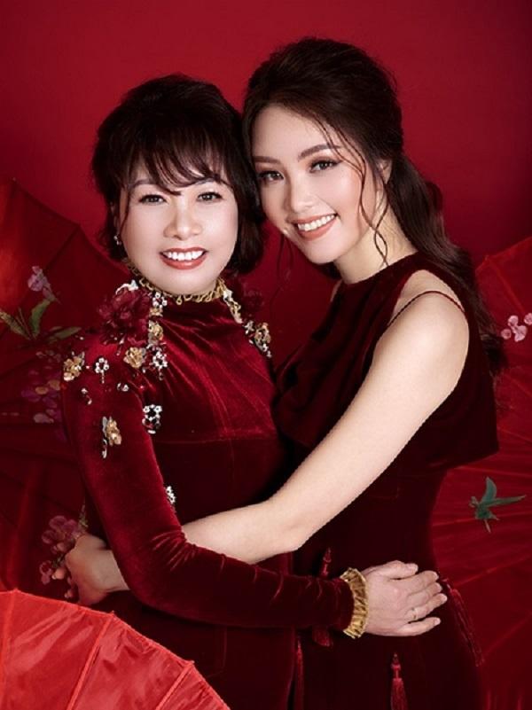 Bất ngờ với nhan sắc của mẹ các mỹ nhân Việt