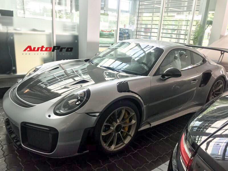 Sắm siêu xe Porsche 20 tỷ, Đặng Lê Nguyên Vũ từng nói gì?
