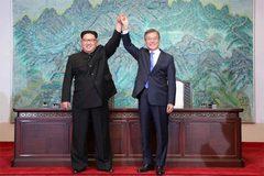 """Bí quyết """"tăng chiều cao"""" của nhà lãnh đạo Kim Jong Un"""