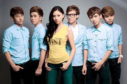 Nhóm nhạc Việt tan rã - người tố bị gạ tình, người gây bất hòa nội bộ
