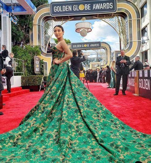 Thân hình bốc lửa của nữ MC gốc Việt dẫn hậu trường Oscar 2019