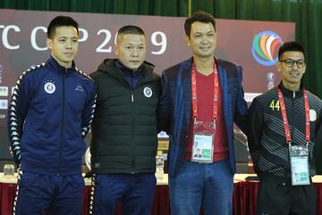 HLV Naga World đề cao Văn Quyết hơn Quang Hải