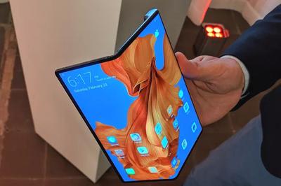 Trên tay điện thoại gập Huawei Mate X, đắt hơn hẳn Galaxy Fold
