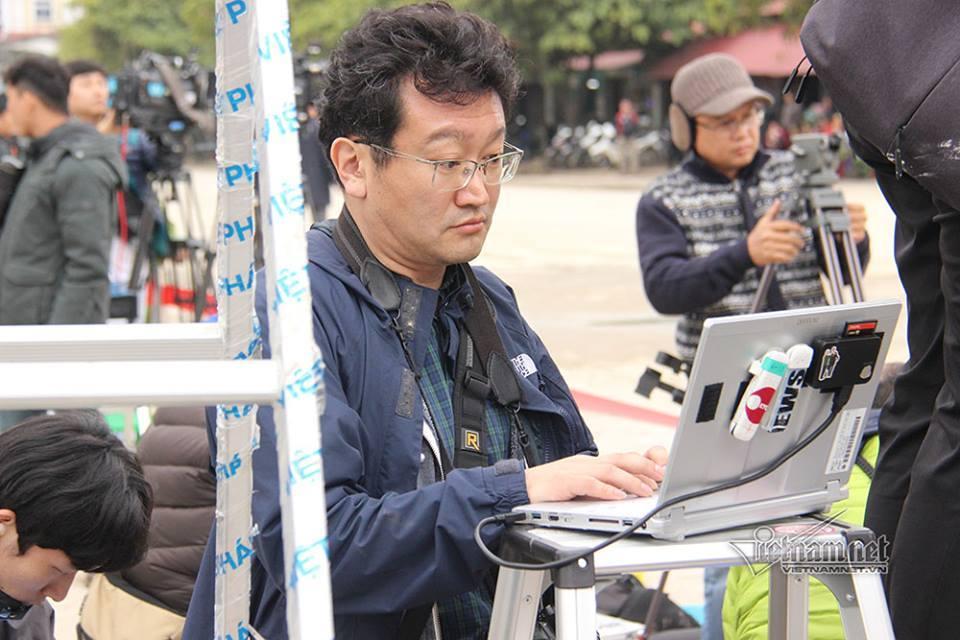 Phóng viên quốc tế kê chi chít thang 'xí chỗ' ở ga Đồng Đăng