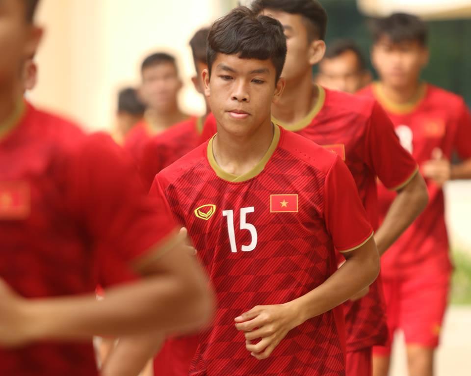 U22 Việt Nam khoe '6 múi', lấy lại tinh thần tranh HCĐ