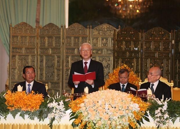 Tổng bí thư, Chủ tịch nước thăm chức sắc cao cấp Phật giáo Campuchia