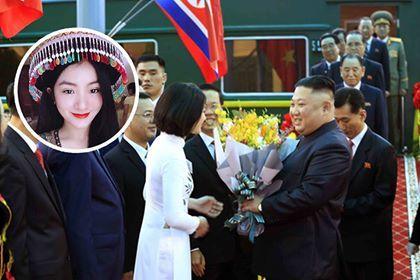 Nữ sinh tặng hoa cho Chủ tịch Triều Tiên Kim Jong-un: 'Em khá hồi hộp!'