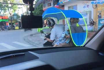 Xe máy gắn mái che tiềm ẩn nguy cơ gây tai nạn giao thông