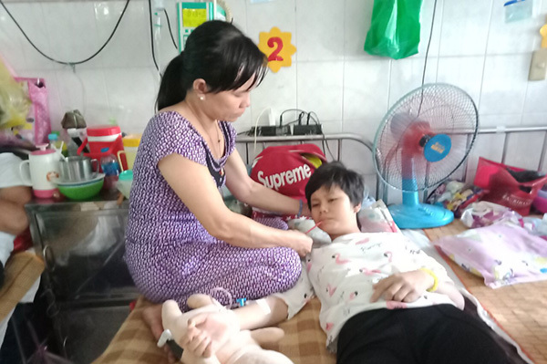 Lời khẩn cầu gấp gáp của bé gái bị ung thư xương