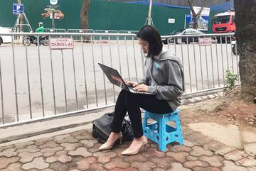 Điểm danh loạt 'cực phẩm' phóng viên đến từ Hàn Quốc đang 'hạ gục' cư dân mạng Việt Nam