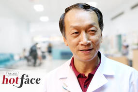 Viện trưởng Quốc Khánh: Nhiều việc làm của các bác sĩ khiến tôi xúc động