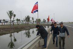 Hải Phòng gấp rút dọn sạch đường phố, cắm rợp cờ Việt - Triều
