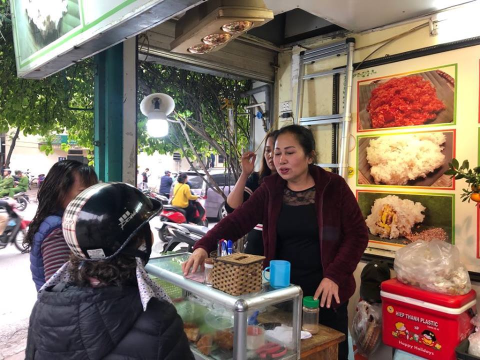 Bánh khúc cô Lan phục vụ hàng nghìn suất ăn cho các nhà báo quốc tế