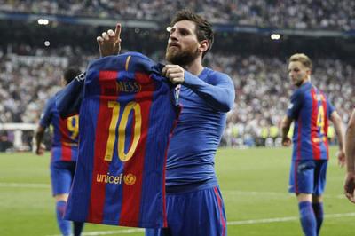 MU rót Solskjaer 200 triệu bảng, Barca giữ Messi trọn đời