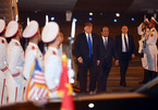 Vừa đến Việt Nam, Tổng thống Mỹ cảm ơn sự đón tiếp tuyệt vời