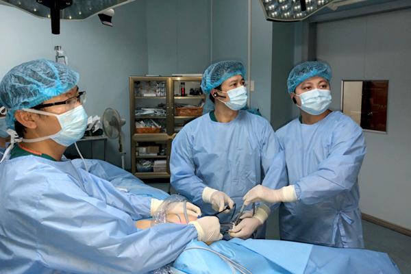u tuyến giáp,Bệnh viện Nội Tiết,Phẫu thuật nội soi