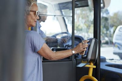Visa tìm cách đưa tap-to-pay đến nhiều xe buýt và tàu điện ngầm hơn