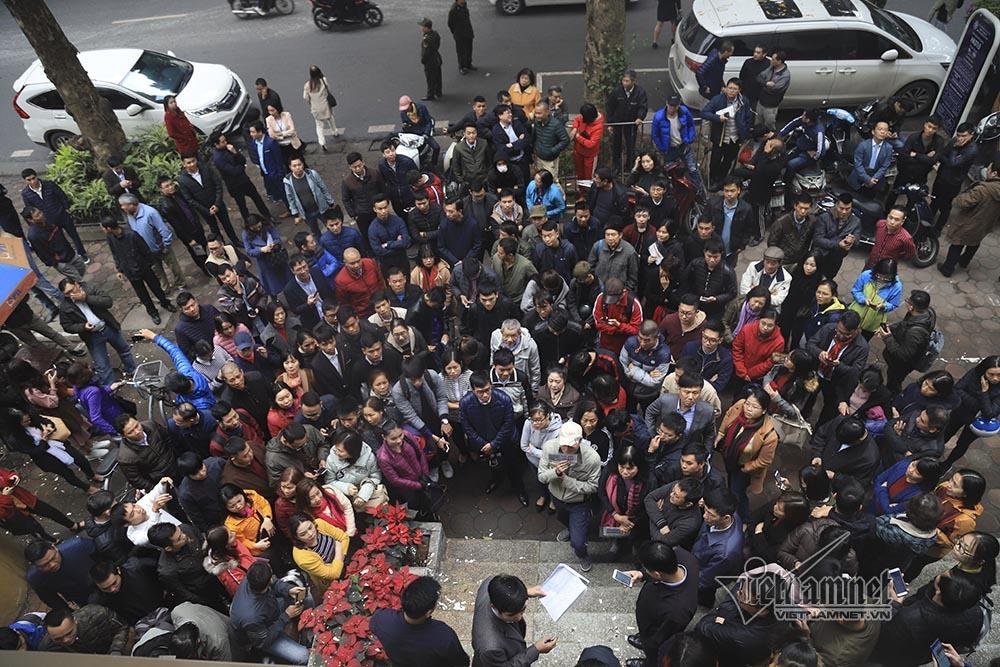 Đồng bạc Thượng đỉnh Mỹ-Triều: Hàng trăm người xếp hàng mua