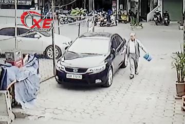 Cái kết nào cho cụ ông đổ rác tiện tay rạch ô tô?