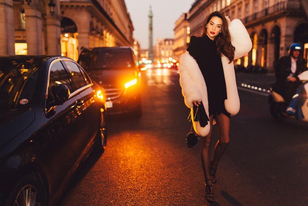 Hà Hồ diện áo lông 300 triệu gặp Hoa hậu Hoàn vũ Olivia Culpo
