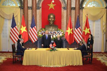 Vietnam Airlines ký hợp tác phát triển CNTT với Sabre