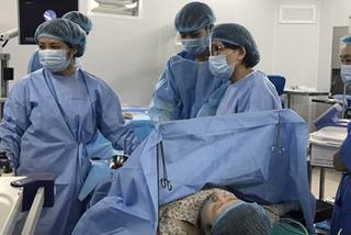 Nữ bác sĩ kể ca mổ đặc biệt để song thai được sống tiếp trong bụng mẹ