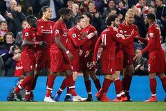 """Thắng """"5 sao"""", Liverpool giữ ngôi đầu Ngoại hạng Anh"""