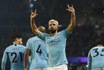 Aguero ghi bàn, Man City bám đuổi Liverpool