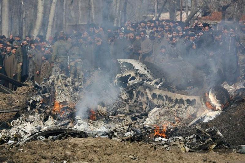 Ấn Độ đòi Pakistan thả phi công, một loạt nước lên tiếng
