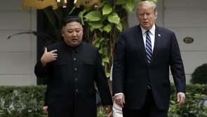 Lần đầu tiên ở Hà Nội, ông Kim Jong Un trả lời câu hỏi của phóng viên nước ngoài