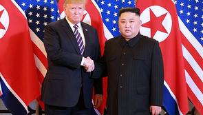 Truyền thông Triều Tiên nói gì về ngày đầu thượng đỉnh Trump - Kim?