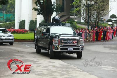 Điều đặc biệt ở siêu SUV Roadrunner hộ vệ Tổng thống Trump