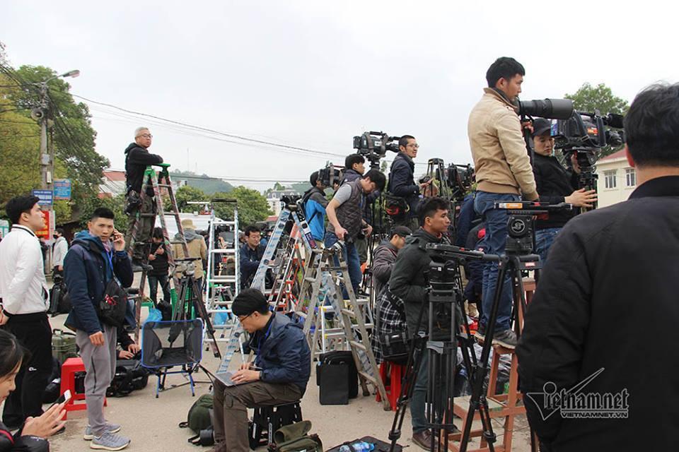 3.000 phóng viên được miễn phí đi máy bay, ở khách sạn 5 sao