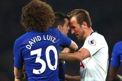 """Harry Kane """"húc đầu"""" giống Zidane, chờ án phạt nặng"""