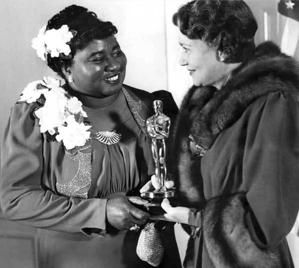 Ngày này năm xưa: Diễn viên da đen đầu tiên nhận giải Oscar