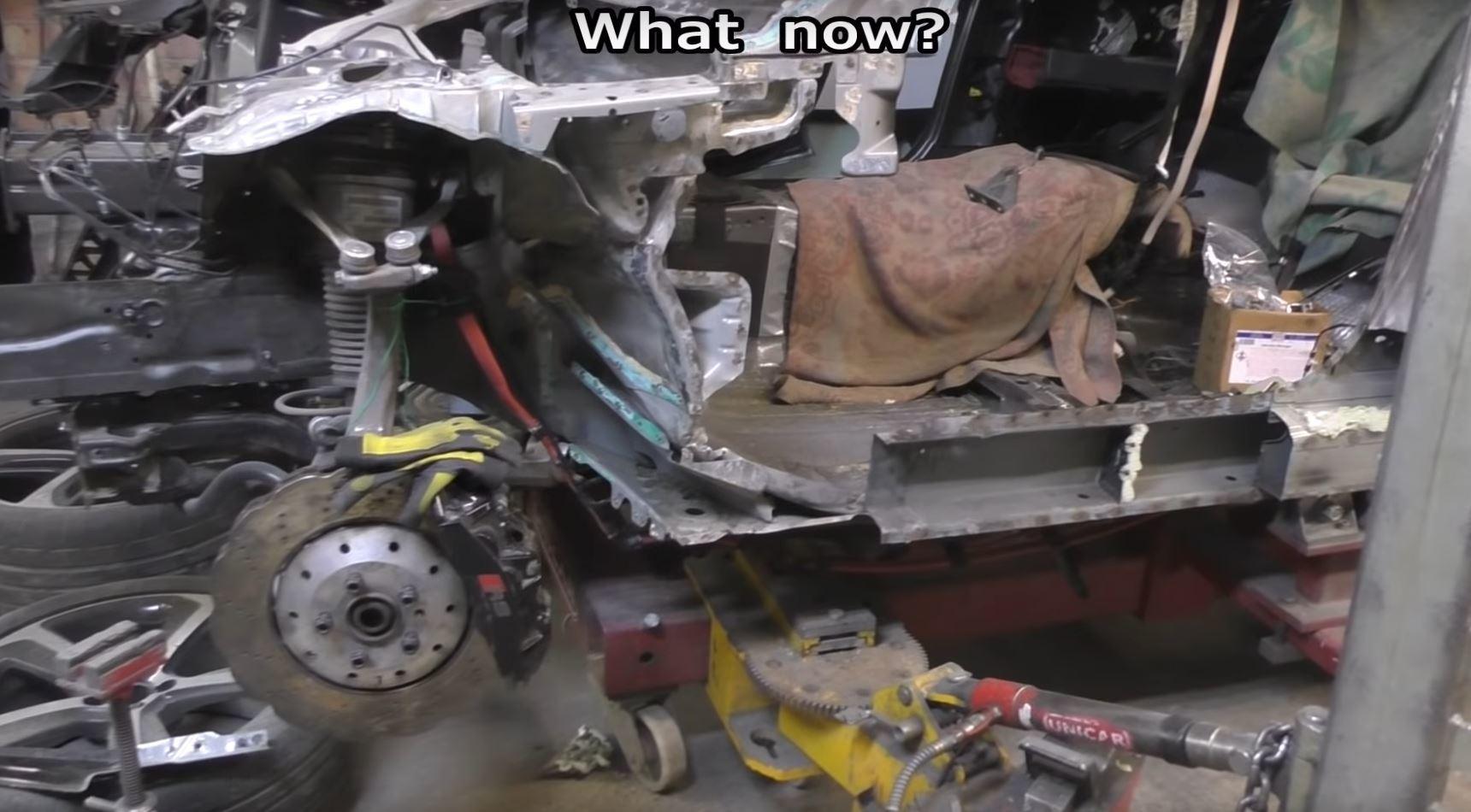 Xe sang Audi RS7 nát bấy hồi sinh long lanh sau 70 giờ