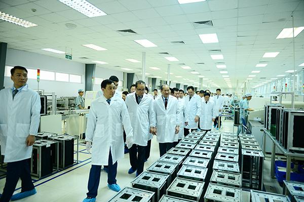 Phái đoàn Triều Tiên ấn tượng với công nghệ tại cơ sở nghiên cứu Viettel