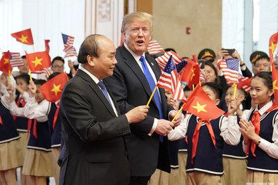 """Hiểu đúng cách dùng từ """"few"""" trong câu khen Việt Nam của Donald Trump"""