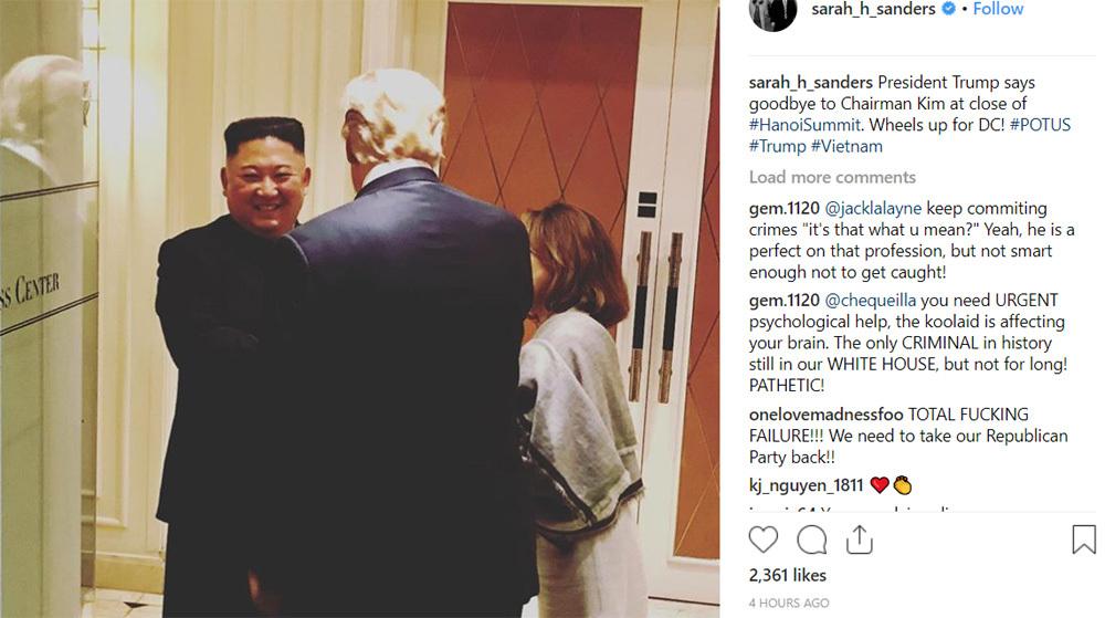 Chủ tịch Kim Jong-un tươi cười tạm biệt Tổng thống Donald Trump