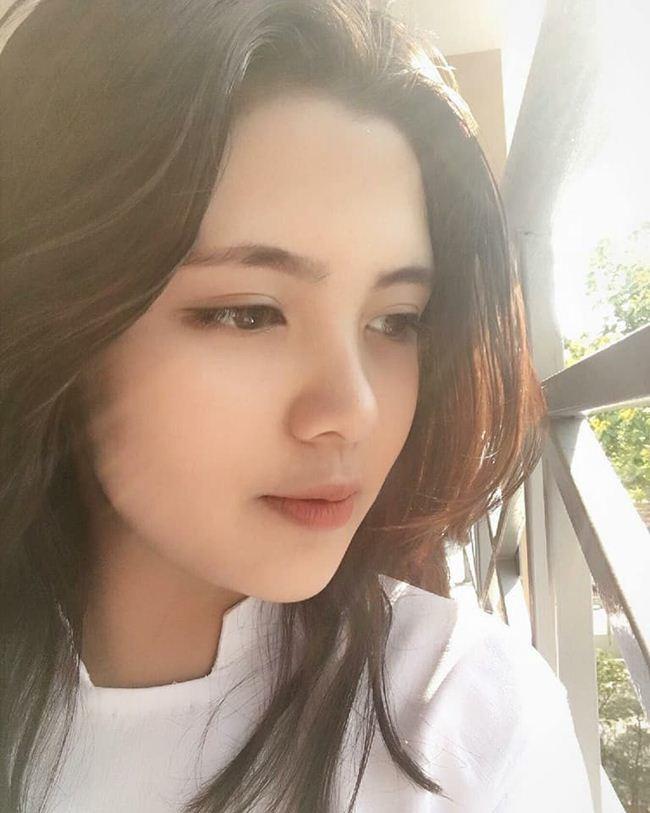Những thiếu nữ Việt xinh đẹp, nổi tiếng sau 1 đêm nhờ mặc áo dài trắng