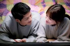 Khoảnh khắc thời trang lãng mạn của Song Joong Ki - Song Hye Kyo