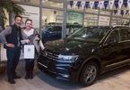 """Lâm """"Tây"""" tặng xe bố xe Volkswagen giá hơn 500 triệu"""