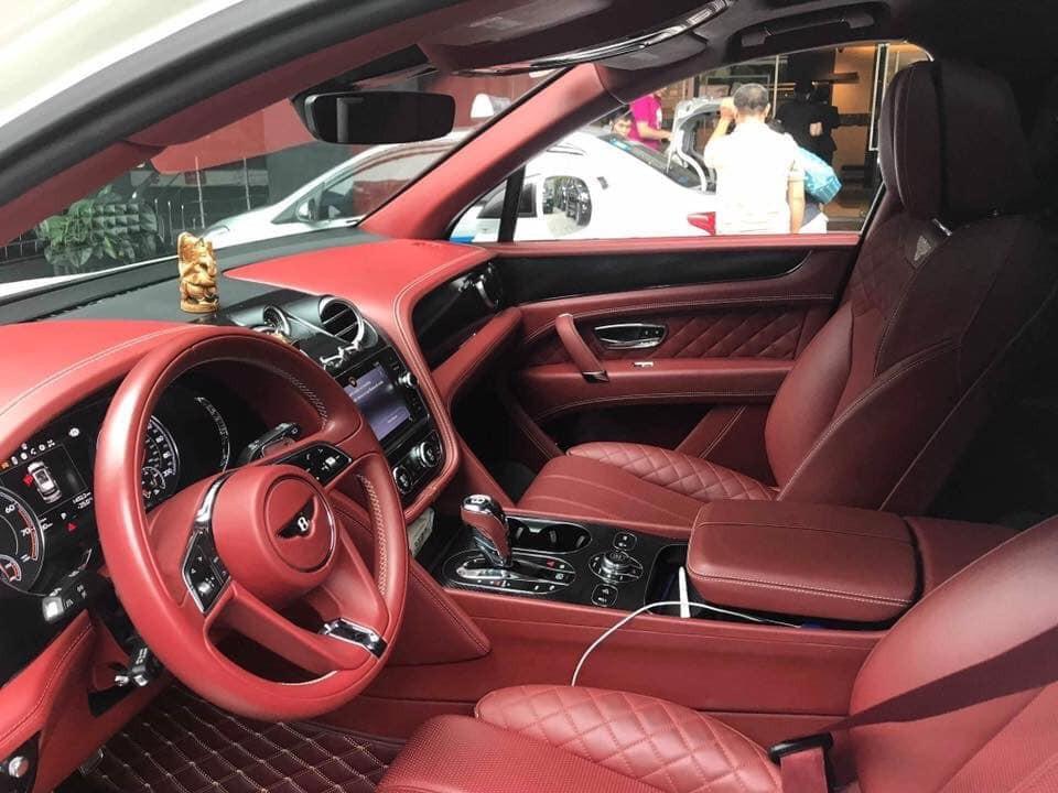 Bentley Bentayga hàng độc siêu rẻ chỉ hơn 8 tỷ