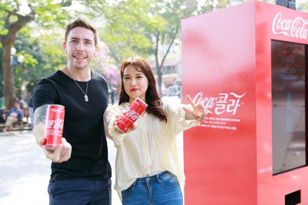'Độc chiêu gây sốt' của Coca-Cola dịp thượng đỉnh Mỹ - Triều