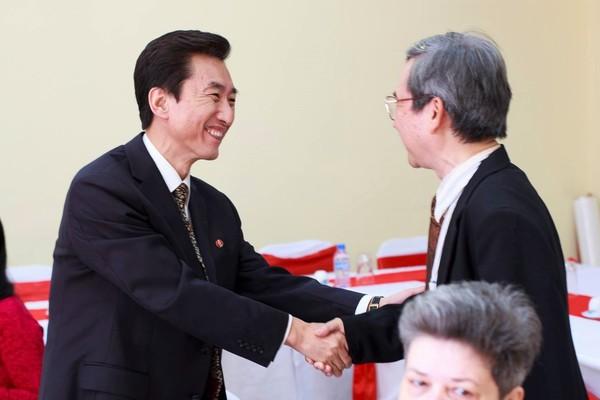 Người phiên dịch cho Kim Jong-un từng học ở Việt Nam