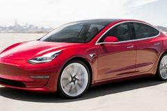 """Xe Tesla giá """"mềm"""" chính thức bán ra thị trường"""
